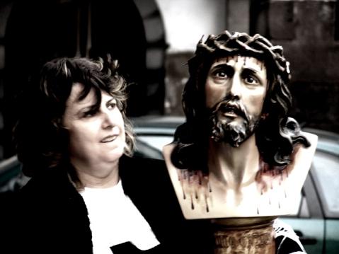 La mujer que pasea con Jesús (Foto: José Luis Sandoval)