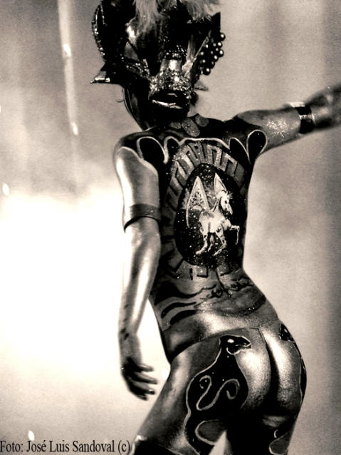Foto de un cuerpo desnudo pintado (Foto: José Luis Sandoval)